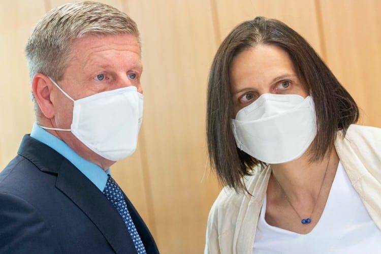 Pandemická krízaRodí sa nová forma moci. A manipulácie. 1