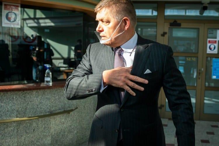 """Vojna v polícii: NAKA je čoraz bližšie k """"pokladníkovi"""" Roberta Fica. 1"""
