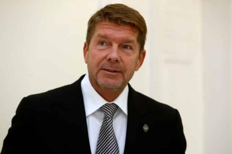 Kauza Mýtnik 3Polícia obvinila oligarchu Miroslava Výboha aj bývalú šéfku finančnej správy. 1