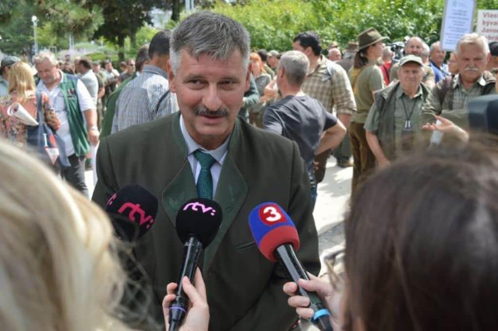 Celoslovenské zhromaždenie na podporu vidieka: Nedáme si vnútiť spôsob život od mimovládnych organizácií. 1