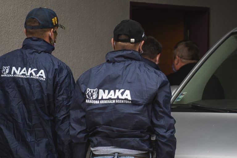 Aj štvrtého obvineného vyšetrovateľa NAKA sudca poslal do väzby. 1