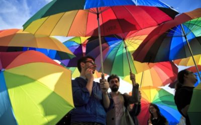 Europoslanci: Homosexuálne manželstvá musia uznávať všetky štáty EÚ.
