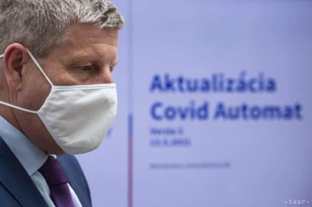 Lengvarský: Denne by mohlo pribudnúť aj 3000 infikovaných. 1