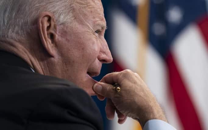Biden naliehal na Ghaního, aby vylepšil dojem z boja s Talibanom. 1