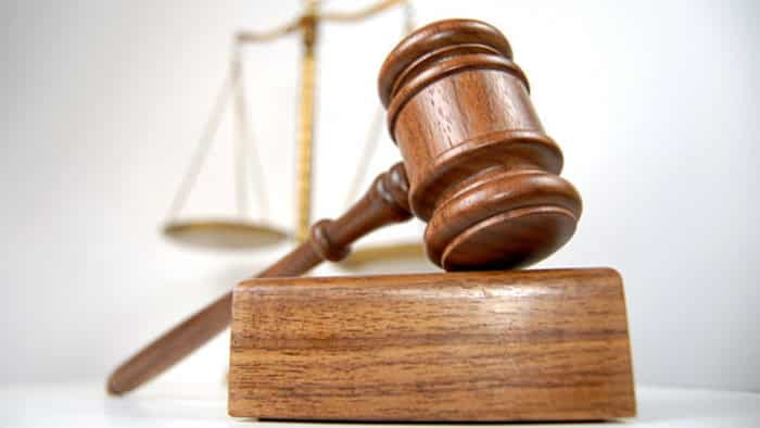 Poľský súd rozhoduje o prednosti ústavy Poľska pred právom EÚ. 1