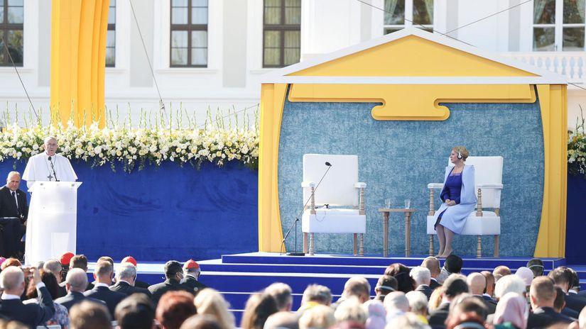 Pápež v Bratislave: Dejiny Slovenska pozývajú, aby bolo posolstvom pokoja v srdci Európy. 1