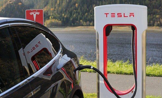 Kolik nerostných surovin pohltí elektromobily? 1