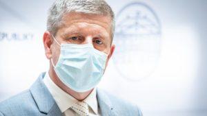 Lengvarský pripustil povinné očkovanie. Otázka je, ako potrestať ľudí, ktorí sa aj tak nezaočkujú. 10