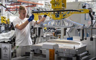 Škoda Auto kvůli nedostatku čipů zastavuje výrobu. Pojede jen linka v Kvasinách.